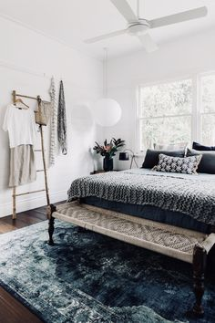 House Tour :: An Earthy Modern Bungalow With Lessons in Layering - coco kelley - perfect layers cozy up a fresh white bedroom Urban Outfiters Bedroom, Bohemian Bedroom Design, Bohemian Interior, Modern Bohemian Bedrooms, Modern Bungalow, Ideas Hogar, Home Decor Bedroom, Blue Bedroom, Bedroom Ideas