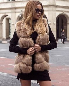 Vesta de blana artificiala maro eleganta Fur Coat, Casual, Jackets, Fashion, Jacket, Down Jackets, Moda, Fashion Styles, Fashion Illustrations