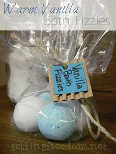 How to make your own vanilla bath fizzies via gettingfreedom.net