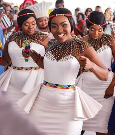 African Print fashion and Accessories for women Latest African beads and accessories for women African Print Wedding Dress, African Bridesmaid Dresses, African Wedding Attire, African Attire, African Wear, African Weddings, African Style, Nigerian Weddings, Long African Dresses