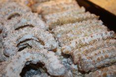 Čajové pečivo (fotorecept) - obrázok 9 Cookies, Desserts, Food, Crack Crackers, Tailgate Desserts, Deserts, Biscuits, Essen, Postres