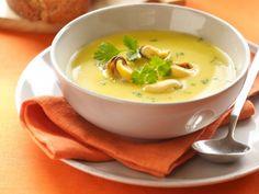 Mosselsoepje -                         Libelle Lekker Best Tapas, Food Decoration, Healthy Soup, I Love Food, Superfood, Food And Drink, Ethnic Recipes, Starters, Brick