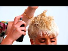 wanna give your hair a new look ? Short pixie hairstyles is a good choice for you. Here you will find some super sexy Short pixie hairstyles, Find the best one for you, Short Punk Hair, Short Hair With Bangs, Cute Hairstyles For Short Hair, Pixie Hairstyles, Short Hair Cuts, Curly Hair Styles, Long Bangs, Short Pixie, Haircuts