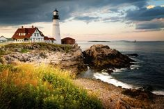 Portland, Maine's biggest city, has a history as a 400-year-old fishing village, a port, and a heritage that shows up in its charming visuals: quaint cobblestone streets, dozens of lighthouses, and a vibrant waterfront scene.