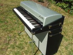 Fender Rhodes 1966 Silver Sparkle Top Electric Piano by Vintage Vibe, via Flickr