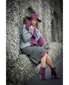 It's only style that matters Stylish Winter Outfits, Cool Outfits, Skirt Fashion, Fashion Outfits, Womens Fashion, Color Blocking Outfits, Winter Trends, Autumn Street Style, Elegant Outfit