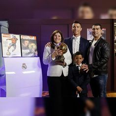 When your family celebrates your success! #Dareyoyeledun #Greatness #CR7 #Family #HalaMadrid #Respect #Ballondor #Truth #Fact #Motivational #Inspirational #Success #Talent #Diligence #Consistency #Football #Soccer #Comics #Comedy #ComedyFestival #CCStandUp #ComedyClub #ComedyNight #Comedian #Comedians #ComedyCentral #ComedyTextPosts #ComedyShow #HuffpostComedy