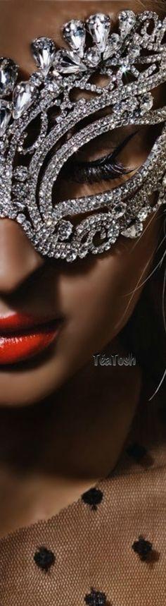 ❇Téa Tosh❇ Masquerade