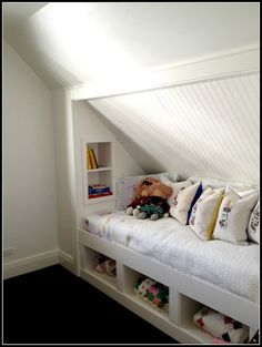 great use of space {RE}cycled consign and design