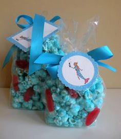 Popcorn bubbles and fish.  Icing Designs: Icing Designs DIY Projects