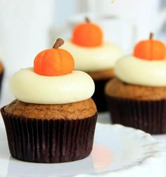 Fall wedding. Pumpkin Cupcakes with Maple Cream Cheese Icing