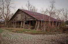 Photo - An old barn outside of Broxton Georgia.