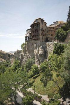 5377136-hanging-houses-casas-colgadas-in-the-medieval-town-of-cuenca-in-castilla-la-mancha-spain-these-build.jpg (801×1200)