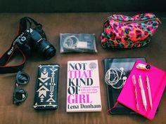 O Que Tem Na Minha Bolsa De Mão    por Vitória D'Ugo | Closet In A Mess       - http://modatrade.com.br/o-que-tem-na-minha-bolsa-de-m-o
