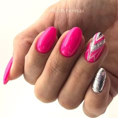 Patterned Oval Nail Design #patternednails Explore cute designs for short and long oval nails. Whether your nails are natural or acrylic, learning how to shape your nails oval is worth it. #naildesigns #ovalnails #nailart #nails