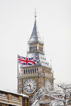 .The Union Jack flying near Big Ben