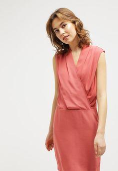 Perfekt für deinen eleganten Auftritt. Selected Femme SFTIMLA - Cocktailkleid / festliches Kleid - dusty cedar für 79,95 € (13.04.16) versandkostenfrei bei Zalando bestellen.