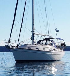 2001 Island Packet 350 in Seattle Used Boat For Sale, Boats For Sale, Sailing Basics, Used Boats, Sailboats, Beautiful World, Sailing Ships, Winter, Seattle