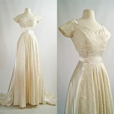 Vintage Dresses Vintage Wedding Dress Cahill Wedding Gown by xtabayvintage - Antique Wedding Dresses, Vintage 1950s Dresses, Modest Wedding Dresses, Vintage Outfits, Vintage Fashion, Event Dresses, Pretty Outfits, Pretty Dresses, Beautiful Dresses