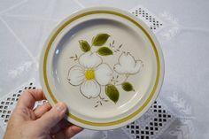 Vintage Salad Plate Magnolia Stoneware White Green by PanchosPorch Salad Plates, Vintage Dishes, Magnolia, Stoneware, Vintage Japanese, Floral Design, Vintage Shops, I Shop, Decorative Plates