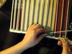 zvojení osnov vpletené do opletku pletení z papíru Mikyna
