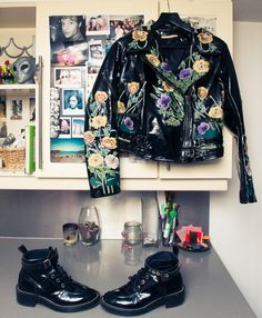 Go-to's for running late, as told by this London-based stylist. http://www.thecoveteur.com/tess-yopp-stylist/