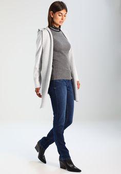 ¡Consigue este tipo de jersey de punto de Culture ahora! Haz clic para ver los detalles. Envíos gratis a toda España. Culture ZABINA  Jersey de punto dark grey melange: Culture ZABINA  Jersey de punto dark grey melange Ropa   | Material exterior: 58% viscosa, 27% poliéster, 15% poliamida | Ropa ¡Haz tu pedido   y disfruta de gastos de enví-o gratuitos! (jersey de punto, pullover, lana, knitted, cotton, knit, knits, stitch, cashmere, knitwear, strickpullover, jersey tejido, jersey au tri...