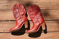 Frye Red Cowboy Boots - Vintage Leather Cowboy Boots 1970s 1980s - Burgundy