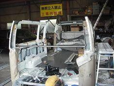 ビジネスは日本経済を支えていくために最重要な活動です。従業員数が1万人を超す巨大企業から、一人で活動する個人事業主様まで。数からすればまさに星の数にも及ぶ企業が日本全国で日々活動しています。 花屋さん、魚屋さん、お寿司屋さんに鉄鋼業の町工場。どの職種にしてもそれぞれの車の使い方があります。
