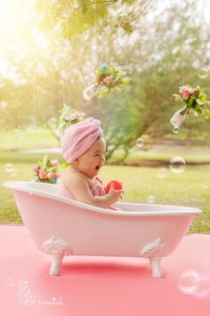 New Ideas For New Born Baby Photography : Kelli Homeniuk Curitiba Especializada Smash The Fruit bebê Smash the Cake 6 Month Baby Picture Ideas, Baby Girl Pictures, Newborn Pictures, Baby Photos, Baby Girl Photography, Children Photography, 1st Birthday Photoshoot, Girl Photo Shoots, Foto Baby
