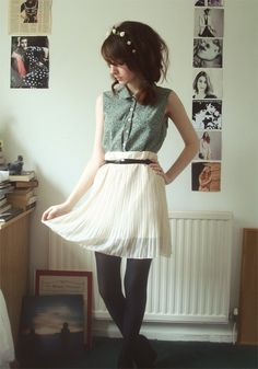 Cute pastel hipster outfit.