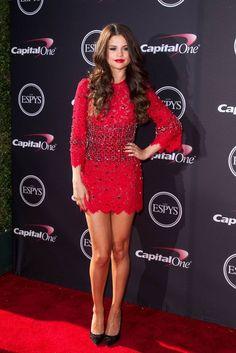 Selena Gómez... - Selena Gomez Style