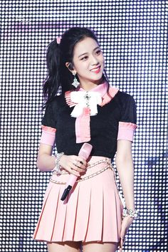 Find images and videos about kpop, blackpink and jisoo on We Heart It - the app to get lost in what you love. Blackpink Outfits, Stage Outfits, Kpop Girl Groups, Korean Girl Groups, Kpop Girls, Blackpink Jisoo, Kim Jennie, Black Pink ジス, Chica Cool