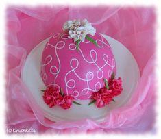 Vanilja-mustikkapiirakka | Reseptit | Kinuskikissa Pink Bowls, Bowl Cake, Cake Tutorial, Muoto, Bakery, Princess, Cake Ideas, Desserts, Tutorials