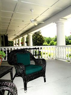 In love w/ this huge porch