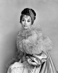 "wehadfacesthen: "" fastenyourseatbelt: "" friday wear "" Audrey Hepburn, 1963 """