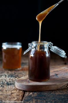 Salted Beer Caramel Sauce + 5 More Edible Homemade Beer Gifts : The Beeroness Beer Recipes, Cooking Recipes, Caramel Recipes, Coffee Recipes, Salsa Dulce, Homemade Beer, Homemade Gifts, Cooking With Beer, Tasty