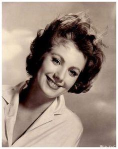 Shirley JONES (b. 1934)