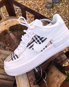 shoes sneakers \ shoes + shoes sneakers + shoes for women + shoes heels + shoes sneakers jordans + shoes aesthetic + shoes drawing + shoes sneakers nike Sneakers Fashion, Fashion Shoes, Shoes Sneakers, Women's Shoes, Girls Sneakers, Shoes Style, Fashion Outfits, Camo Shoes, Air Jordan Sneakers