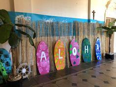 Surfboard for each teacher to keep that kids can write on Luau Theme Party, Hawaiian Party Decorations, Aloha Party, Hawaiian Luau Party, Hawaiian Decor, Tiki Party, Tropical Party, Party Themes, Party Ideas