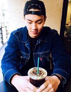 shownwu likes Starbucks:)