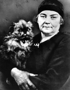 Emily Carr with her dog Billie Photograph of artists with their dogs. Canadian Painters, Canadian Artists, Iconic Women, Famous Women, Women In History, Art History, Emily Carr Paintings, Group Of Seven, Brussels Griffon