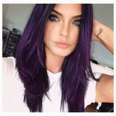 purple hair by Trendfrisuren Baby trend, akkurater Mittelscheitel oder Hair Color Purple, Hair Color And Cut, Cool Hair Color, Purple Hair Streaks, Violet Hair Colors, Brown Ombre Hair, Hair Highlights, Hair Trends, Dyed Hair