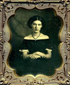 A daguerreotype of a young women wearing an off-the-shoulder dress trimmed with lace and a black necklace, Antique Photos, Vintage Pictures, Vintage Photographs, Old Pictures, Vintage Images, Old Photos, Vintage Abbildungen, Vintage Beauty, Vintage Ladies