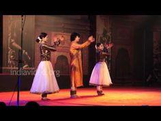 Birju Maharaj Parampara  Kathak Performance Nishagandhi Festival Dance Kathak Dance, Ritual Dance, Indian Classical Dance, Indian Colours, Dance Movement, Royal Court, Folk Dance, Learn To Dance, Storytelling