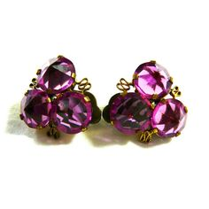 Vintage Magenta Jewelry Set Brooch Earrings (Violet-Red) Faceted... ($25) ❤ liked on Polyvore featuring jewelry, earrings, vintage jewelry, red earrings, clip earrings, rhinestone jewelry sets and red clip earrings