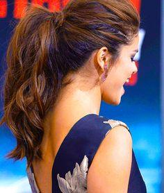 Selena Gomez ponytail