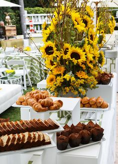 How chic is this cake & croissant station for an outdoor brunch!