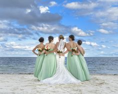 Be a fabulous Bridesmaid from the beginning to the end! Photo by @oceanphoto