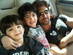 #HrithikRoshan with kids Hrehaan and Hridhaan